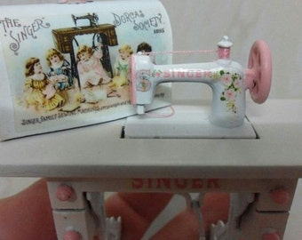 Dollhouse sewing machine Shabby Esc 1/12