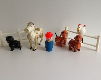 Mixed Lot of vintage Fisher-Price LITTLE PEOPLE Play Farm Accessories