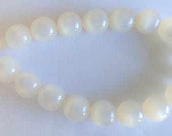 Vintage Pearl Neckace / Pearl Chocker / Large Beaded Necklace / Choker / Pearl Jewelry / Pearlescent Beads / White Necklace