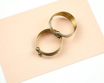 Vintage earring costume jewelry ear clips gold textured hoop earrings jewellery