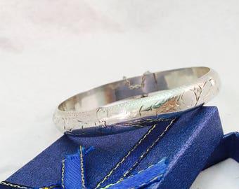 Vintage Sterling Silver Etched Hinge Bangle Bracelet - 10.7 Grams