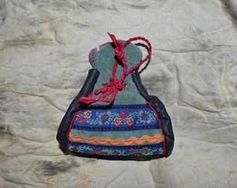 Tubacco pouch. Saami purse. Tupakkamassi. Medicine pouch. Handmade in Finland.