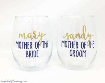 Personalized Mother of the Bride Wine Glass, Mother of the Groom Wine Glass, Mother of the Bride Gift, Mother of the Groom Glass