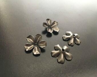Small Metal flower rosette 4 pack