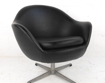 Mid-Century Vinyl Pod Chair by Overman A/B of Sweden, c. 1970s (4073)NJ