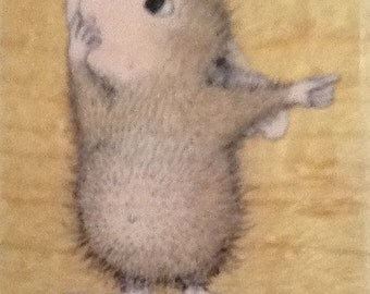 House Mouse-- Mudpie Tells
