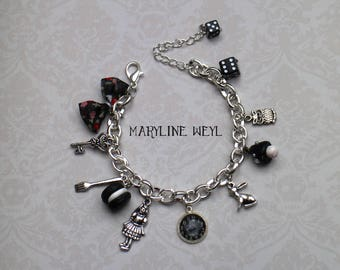 """alice in Wonderland country"" charm bracelet black"