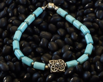 Pretty Turquoise Bracelet Silver Component and Silver Magnetic Clasp