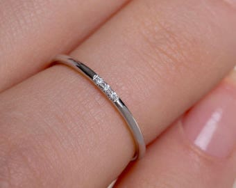 Thin Diamond Ring, Band with 3 diamonds, Diamond Band Ring, Skinny Ring, 1 mm Band Ring, Thin Wedding Band, Gold Stacking Ring, Thin Ring