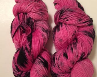 Hand Dyed Yarn worsted weight 100% superwash merino wool   | 100 gr | Stormy Love | | super soft | Free shipping in the US
