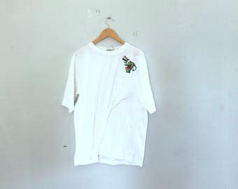 WB frog, white pocket t shirt, with frog patch, size xl