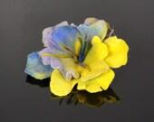 Flower brooch, felted brooch, felted flower, navy blue, yellow, green Feltmondo