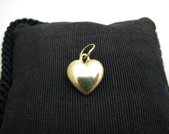 Lovely Heart Pendant in 18k Yellow Gold