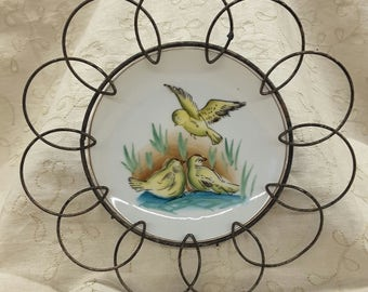 Vintage Yellow Songbird Plate with Shabby Chic Scalloped Wire Holder
