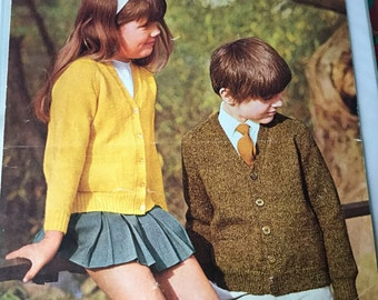 Patons childrens cardigan knitting pattern 1970's