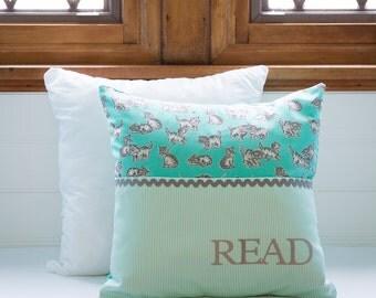 Pocket Reading Pillow - Vintage Kittens on Mint Green