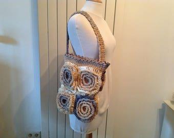 single model crochet shoulder bag