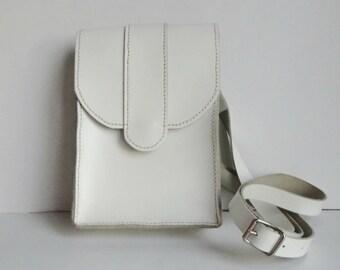 White Vintage Shoulder/Crossbody Bag // Leather