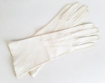 Vintage 60s Kid Skin Gloves Vintage 1960s White Gloves Vintage Leather Gloves Soft Leather Gloves Womens Gloves Glove Size 6