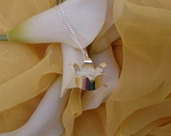 Sterling silver jester crown necklace