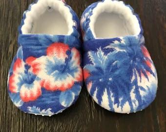 Hawaiian baby booties // hawaiian crib shoes