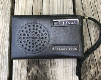 Vintage IDeal Deluxe 8 Transistor radio with leather case 1960's