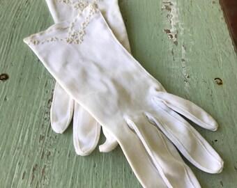 Vintage Gloves, White Gloves, Creme Gloves, Vintage White Gloves, Formal Gloves, Women's Dress Gloves, Gloves, Dress Gloves, Evening Gloves