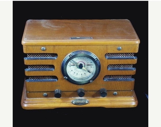 Storewide 25% Off SALE Vintage Crosley METRO Wood Grain Tabletop Radio, Limited Edition, Numbered Reproduction & Collectors Dream