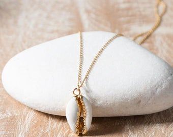 Cowrie Shell Necklace/Shell pendant necklace/Gold Cowrie Shell necklace/Shell necklace/Seashell Necklace
