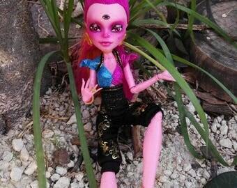Hand painted Gigi Grant monster high repaint OOAK doll faceup genie freckles
