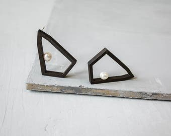 Geometric earrings / Pearl stud earrings / Wood earrings / Statement earrings / Modern jewelry / Minimalist earrings / Gift for women
