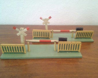 Level crossing, barrier sheet metal toys