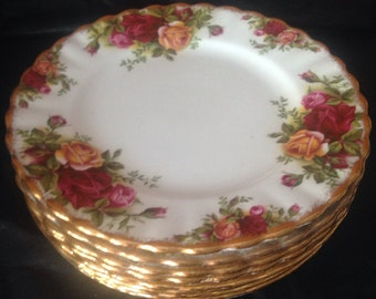 Old country rose bread or dessert plate