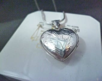 """A lovely vintage silver heart locket pendant necklace - 925 - sterling silver - 1.5"""" x 0.9"""" - 15"""" necklace"""