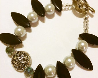 Beaded Bracelet with Black and White Glass Beads, Crystals and Antique Silver Beads