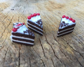 Cake charm and earrings