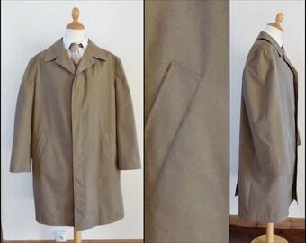 Mans Blizzard khaki trench coat rain coat long coat lightweight long coat size M/L