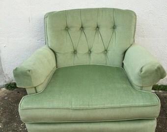 Vintage Tufted Velvet Chair