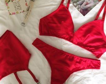 Lingerie set - red underwear - red lingerie set - red bralette - red panties - silk lingerie - silk underwear - handmade lingerie - red bra
