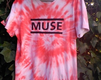 Muse Psychedelic T shirt, Matt Bellamy,  tie dye festival hipster, Drnes, Hysteria, The Resistance, Chris Wolstenholme, Dominic Howard