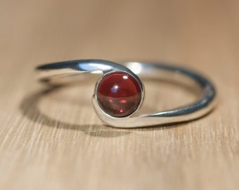 Garnet Ring, Garnet Silver Ring, Garnet Jewellery, Garnet Gemstone, Sterling Silver Ring, Garnet and Silver Ring, Red Ring, 5mm Ring