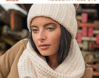 Infinity Scarf, Chunky Scarf, Crochet Cowl Scarf, Christmas Gift, Hand Knit Scarf, Loop Scarf, Winter Crochet Scarf, NWarm Scarf