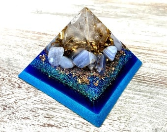 Orgone Pyramid - Harmony Of Space: Crystal quartz, Blue Agate