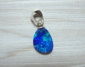 1 pc, 18x7 mm, Australian Opal Doublet Tiny Small Pendant, Real Opal 925 Sterling Silver Bail, O3