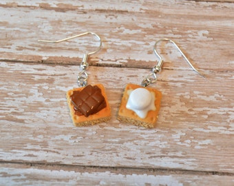 S'mores Earrings, Food Jewelry, Miniature Food, Food Earrings, Marshmallow, Polymer Clay Earrings, Miniature Food Jewelry, S'mores Charm
