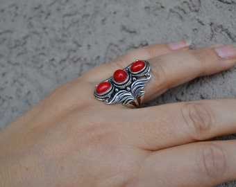 Coral ring, Sterling Silver Ring, Wide Ring, Multistone Coral Ring, Red Stone Ring, Size 8 (R122)