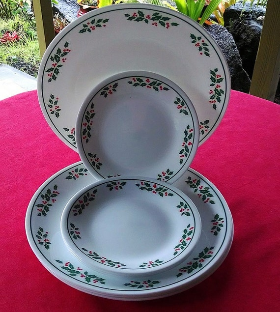 Vintage Corelle Corning Winter Holly Four Dinner Plates and Four Bread and Butter Plates, White Vein Holly Green Rim, Holiday Dinnerware