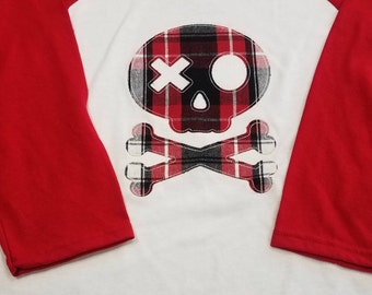 Kids 3/4 sleeve t-shirt with cute pirate skull applique