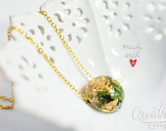 Gold Leaf Necklace, Gold Flakes Resin Necklace, Green Necklace, Eco Friendly Jewelry, Real Flower Pendant, Gold Sparkle, Resin Necklace