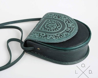 green bag, leather bag, tooled leather, small crossbody bag, shoulder bag, small crossbody purse, embossed lether, mini purse, green purse,